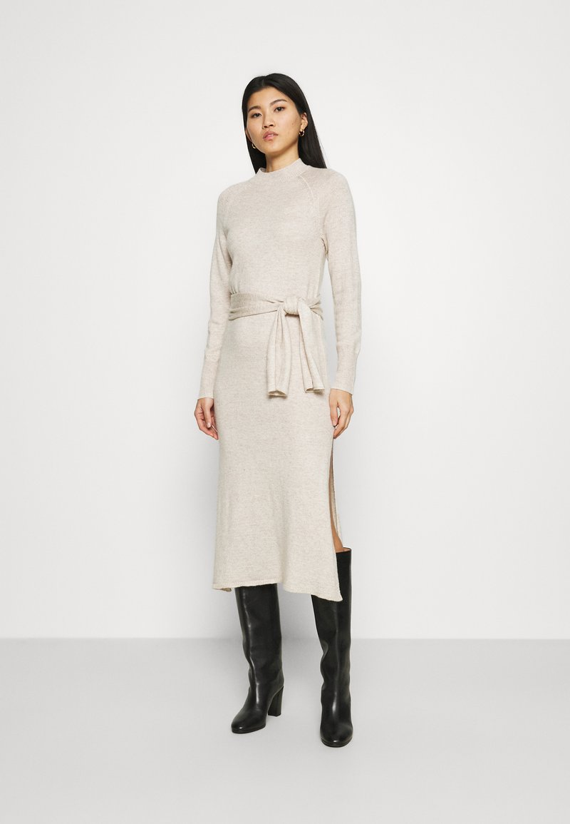 Who What Wear - TIE WAIST DRESS - Jumper dress - cream