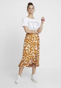 Moss Copenhagen - REIGN MOROCCO SKIRT - Maxi skirt - ecru - 1