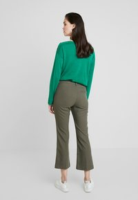 Fiveunits - CLARA CROPPED - Broek - army theory - 2