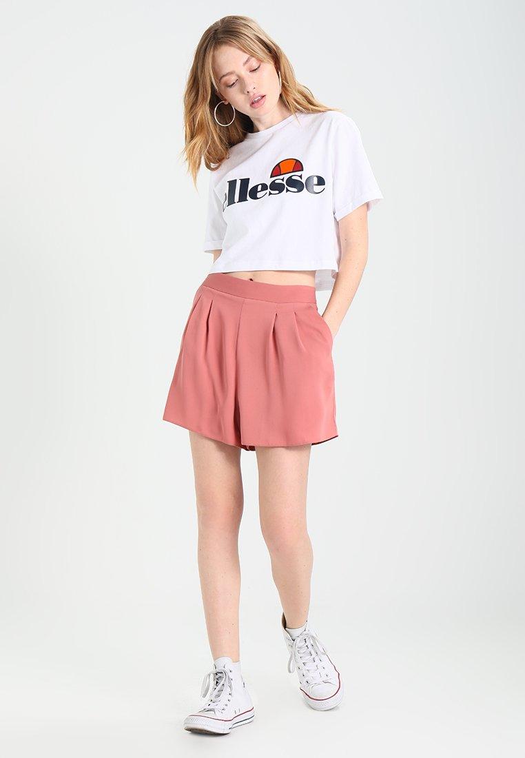 Ellesse Alberta Crop - T-shirts Med Print Optic White/hvit