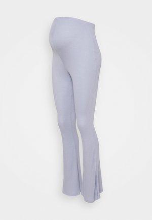 MATERNITY FLARES - Spodnie materiałowe - blue