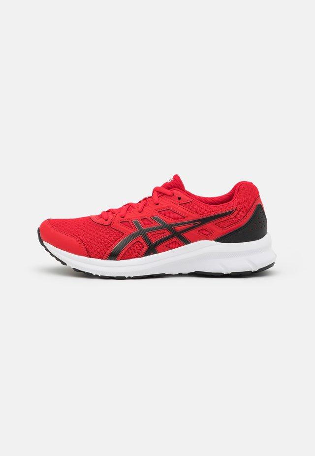 JOLT 3 - Obuwie do biegania treningowe - classic red/black