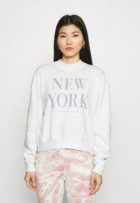 Abercrombie & Fitch - MOCK NECK LOGO CREW - Sweatshirt - white - 0