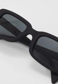 Komono - MADOX - Sluneční brýle - carbon - 2