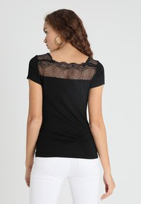 Morgan - DCLARY - Print T-shirt - noir - 0