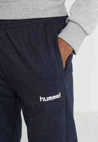 Hummel - HMLGO COTTON PANT - Trainingsbroek - marine - 4