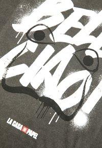 PULL&BEAR - LA CASA DE PAPEL - Print T-shirt - dark grey - 3