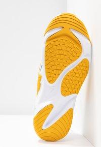 Nike Sportswear - ZOOM 2K - Trainers - white/game royal/dark sulfur - 6