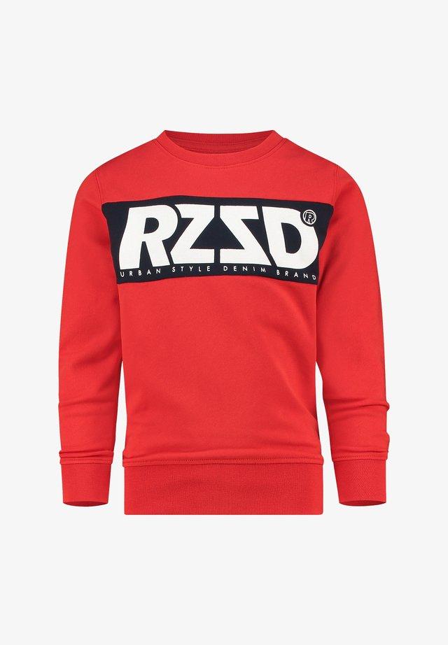 NOVATO - Sweater - perfect red