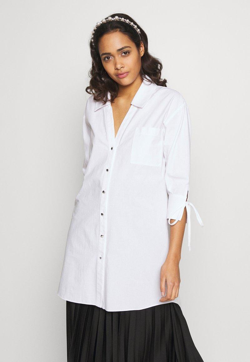 River Island - RICH SHIRT - Button-down blouse - white