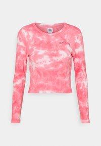 BDG Urban Outfitters - TIE DYE BABY TEE - Top sdlouhým rukávem - pink - 4