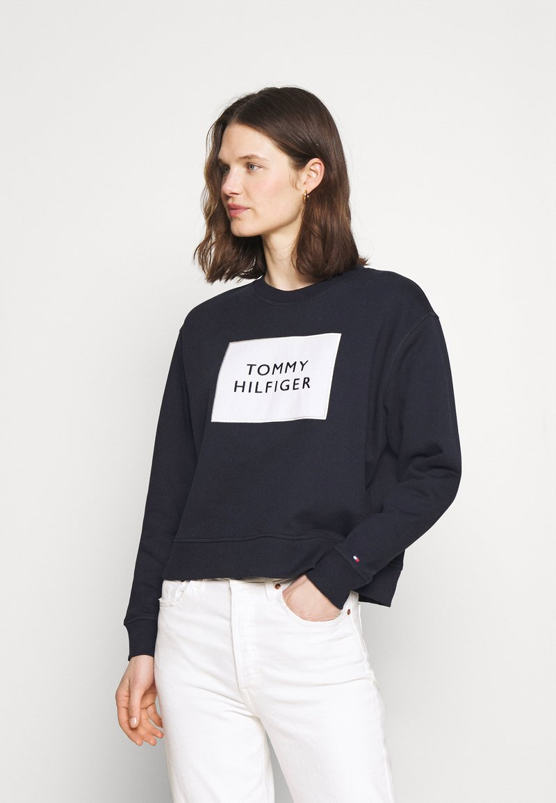 Tommy Hilfiger - RELAXED BOX  - Sweatshirt - desert sky