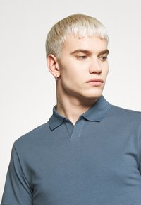 Filippa K - SOFT - Polo shirt - blue/grey - 4