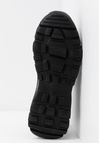 Versace Jeans Couture - LINEA FONDO SPEED 1 - Sneakers - black - 6