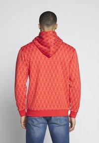 adidas Originals - GRAPHICS GRAPHIC HODDIE SWEAT - Hoodie - red/stiora - 2