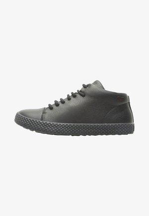 PURSUIT - Zapatillas - black