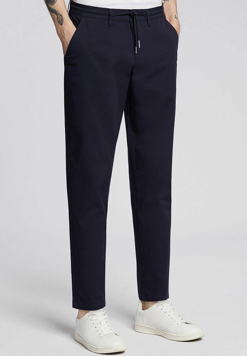 Bytom - ARNE - Spodnie materiałowe - navy