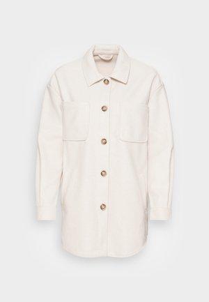 Krátký kabát - super light natural melange
