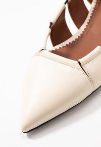 L'Autre Chose - Ballet pumps - milk - 2