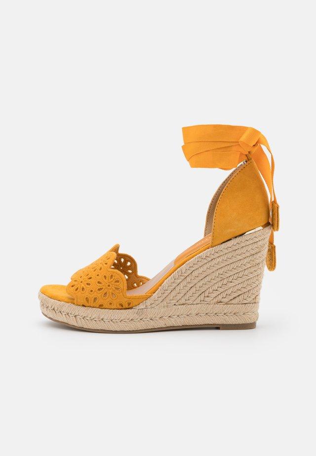 Sandalen met plateauzool - mango