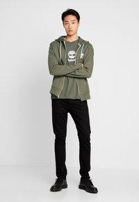 Timberland - ZIP HOODIE - Zip-up hoodie - grape leaf - 1