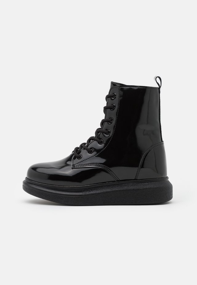 HONEY BOOT - Stivaletti stringati - black