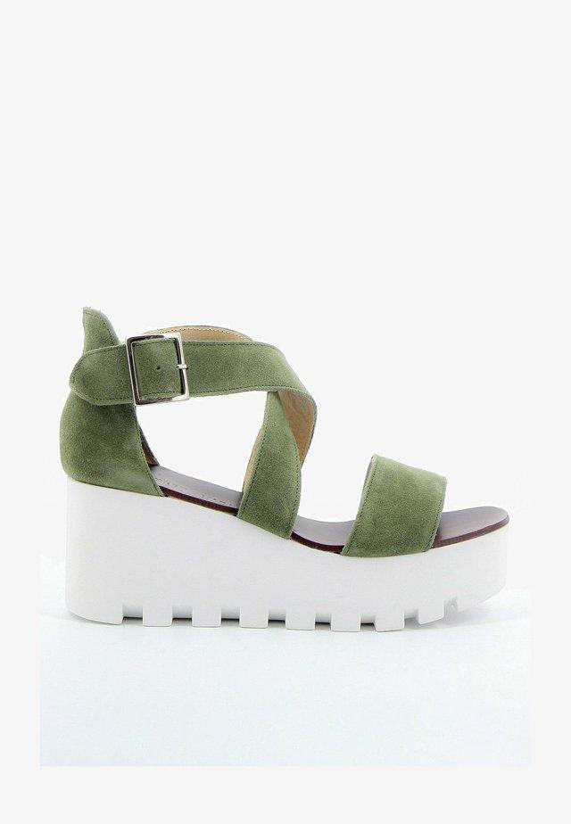 SUBWAY - Sandalen met plateauzool - kaki