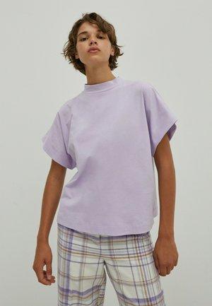 Top - lila