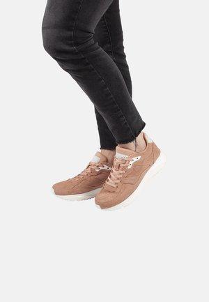 SOPHIE SNAKE SUEDE - Sneakers basse - pink