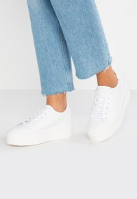 Tamaris - Sneakers - white - 0