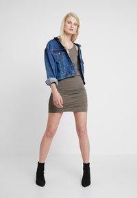AllSaints - TOBY DRESS - Etuikleid - khaki green - 1