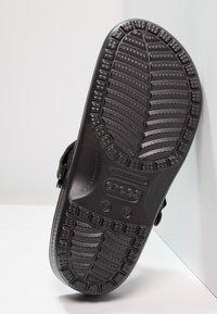 Crocs - YUKON VISTA - Sandały kąpielowe - black - 4