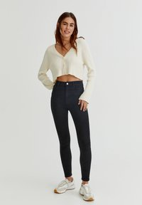 PULL&BEAR - WITH VERY HIGH WAIST - Jeans Skinny Fit - black - 1