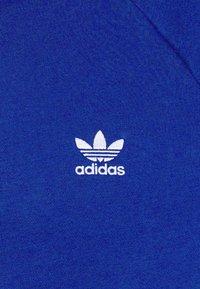 adidas Originals - 3 STRIPES CREW UNISEX - Sweatshirt - royal blue - 2