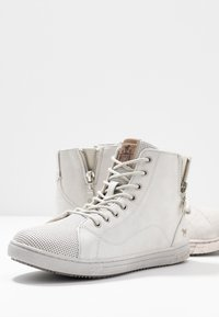 Mustang - High-top trainers - ice - 7