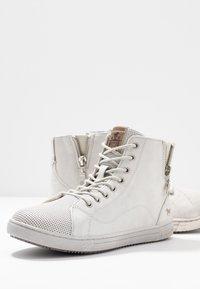 Mustang - Sneakers hoog - ice - 7
