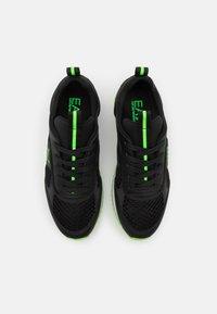 EA7 Emporio Armani - UNISEX - Trainers - black/neon green - 3