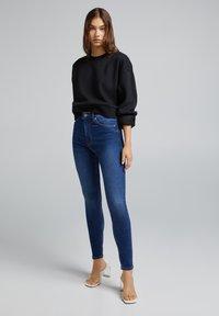 Bershka - Jeans Skinny Fit - royal blue - 1