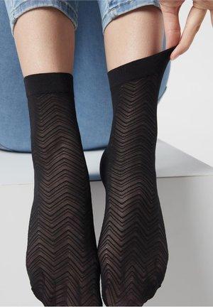 MIT BLUMENMUSTER FÜR DAMEN - Socks - schwarz - black chevron