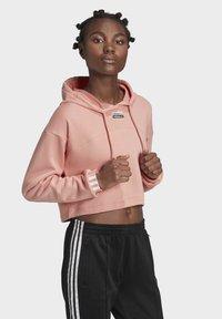 adidas Originals - R.Y.V. CROPPED HOODIE - Jersey con capucha - pink - 3