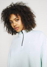 Nike Sportswear - TREND - Sweater - barely green/white - 3