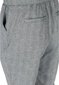 Zizzi - MIT TASCHEN - Trousers - grey - 4