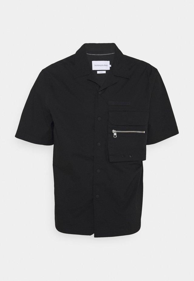 LIGHTWEIGHT UTILITY SHIRT - Košile - black
