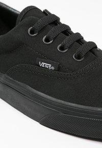 Vans - ERA - Obuwie deskorolkowe - black - 5