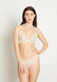 Girls in Paris - Underwired bra - white - 1