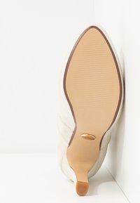 Buffalo - JONA - Kotníková obuv na vysokém podpatku - pastel/beige - 6
