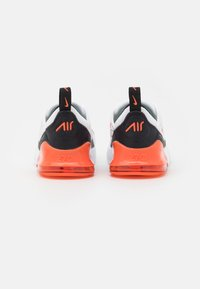 Nike Sportswear - AIR MAX 270 BT  - Sneakers basse - white/turf orange/stadium green/black - 2