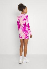 Juicy Couture - VIVIAN TIE DYE DRESS - Jurk - rosebud/almond blossom - 2