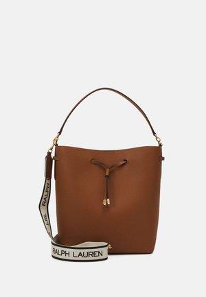 CLASSIC PEBBLE DEBBY - Handbag - tan