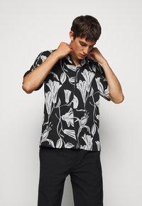 Paul Smith - GENTS SOHO - Shirt - black - 0
